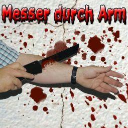 Messer durch Arm Zaubertrick